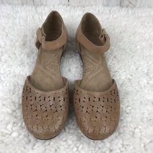 Naturalizer | Tan Flower Toe Ankle Strap Flats 7.5